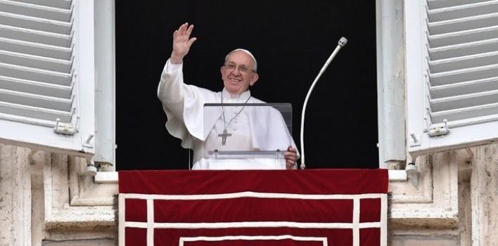 Ángelus del Papa: Jesús en la cruz es salvación para la humanidad