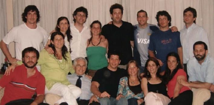 Tenían 8 hijos, pero adoptaron otros 4: los de sus mejores amigos cuando fallecieron en un accidente