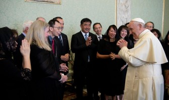 El Papa: Médicos católicos, afirmar la centralidad del paciente como persona