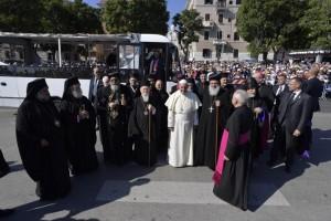 """Bari: El Papa exhorta a ser la """"voz que combate el homicidio de la indiferencia"""""""