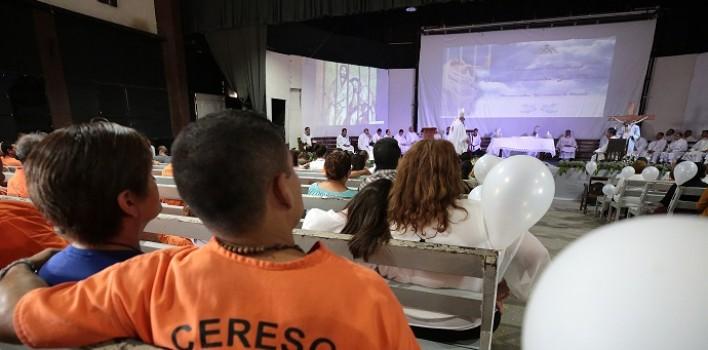 Era pandillero y en la cárcel le habló a Dios: allí ha sido ordenado y ahora será el capellán