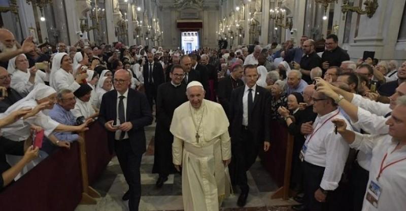 El Papa: que la religiosidad popular no sea instrumentalizada