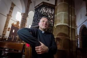 """""""El demonio hoy está más presente que nunca en el mundo"""", asegura exorcista español"""